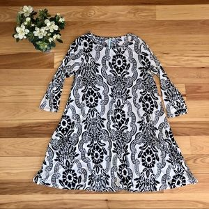 Black and White Floral Flowy Tunic